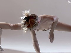 Russian hot soft gymnast Rita Mochalkina