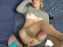 Stepmom has a be spun out delay and needs dealings
