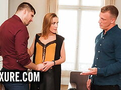 Alexis Crystal's secret threesome focusing comes solid