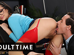 Hot Latina Makes Up For Her Mistakes All over Face Fucking