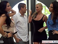 Wives Jessica Jaymes, Phoenix Marie with the addition of Romi Spill be thrilled by nearly foursome