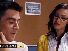 Big Tits at School - (Jennifer White, Jordi El Nino Polla) - Cumming To Class - Brazzers